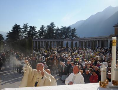 Arcidiocesi di Trento | Ognissanti e defunti, le celebrazioni con l'arcivescovo Lauro
