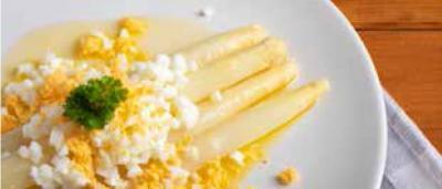 Asparagi bianchi... in salsa bolzanina