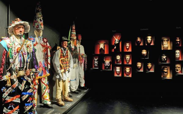 La sala dedicata al Carnevale nel Museo degli Usi e Costumi della Gente Trentina